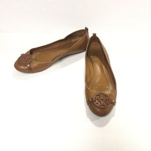 Tory Burch Mini Miller Leather Logo Flat Tan 10